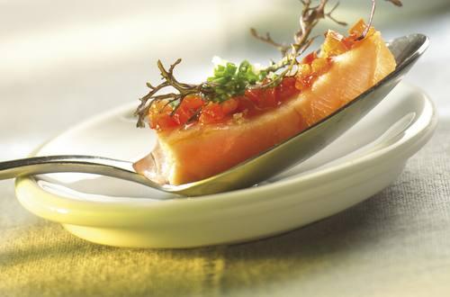 Saumon mariné au poivron et à la ciboulette