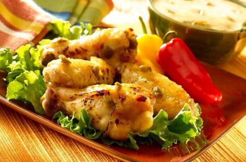 Alitas De Pollo Con Salsa Cremosa De Pina Y Jalapeno