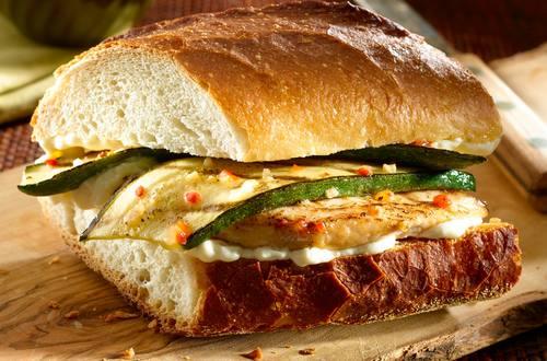 Sándwiches de pollo italianos