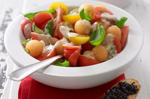 Tomate-Melonen-Salat