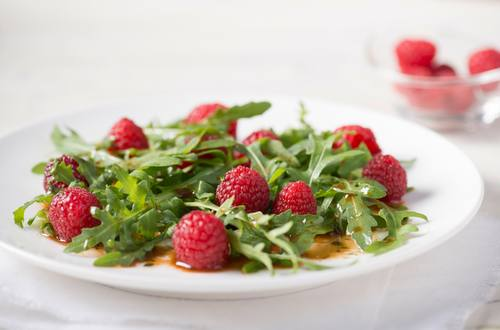 Himbeer-Rucola-Salat