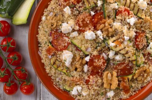 Quinoa mit gegrillter Zucchini