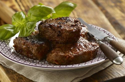 Steak dans une marinade aux tomates séchées au soleil