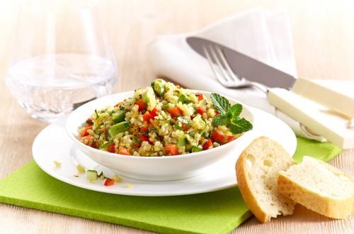 Knorr - Bulgursalat mit Paprika und Avocado