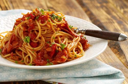 Pasta con salsa de chorizo y tomate