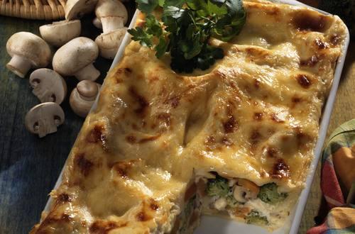 Knorr - Frühlings-Lasagne mit Karotten, Kohlrabi, Champignons und Schinken