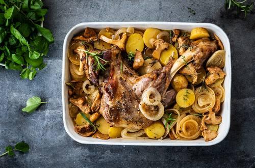 Knorr - Gebratene Lammschulter mit Kartoffeln