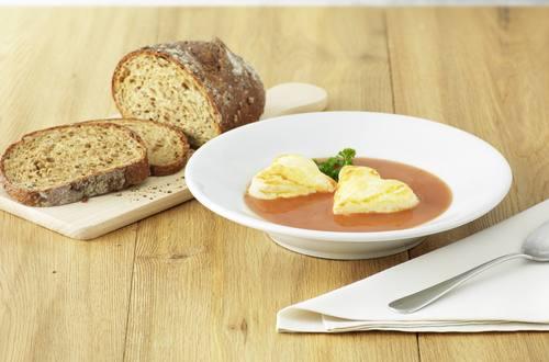 Tomatensuppe mit Käse-Herzli
