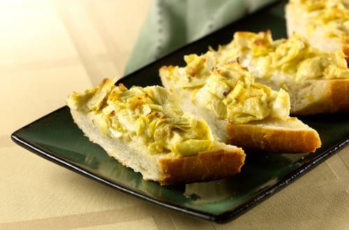 Easy Cheesy Artichoke Bread