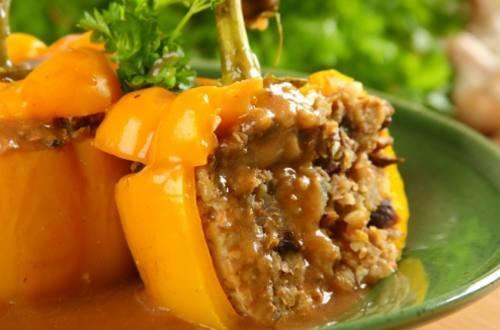 Перец, фаршированный гречкой с грибами