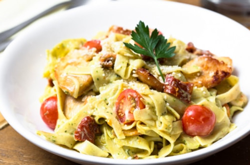 Double Tomato Chicken & Pasta