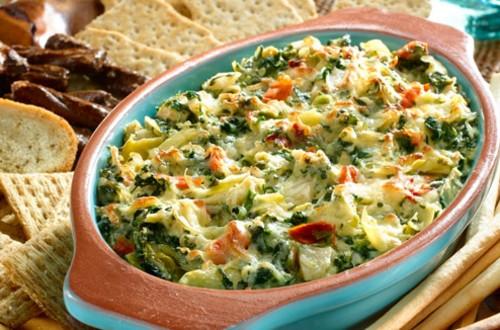 Salsa de espinaca y alcachofa caliente