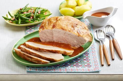 Knorr - Schweinebraten mit Salzkartoffeln und Bohnen