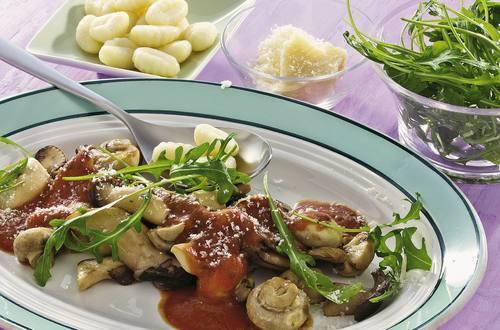 Knorr - Gnocchi mit Pilzragout und Rucola