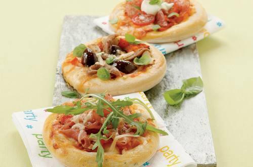 Knorr - Mini-Party-Pizza mit Mailänder-Salami und Tomaten