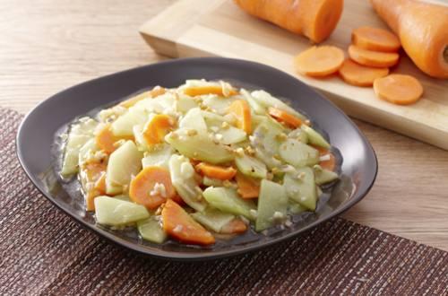 Carrots and Sayote Guisado Recipe
