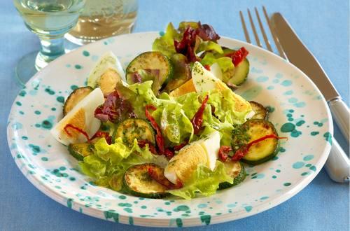 Eier-Zucchini-Salat