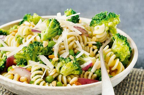Fusilli mit Gemüse-Kräutersauce
