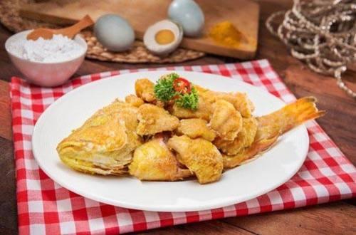 Ikan goreng telur asin
