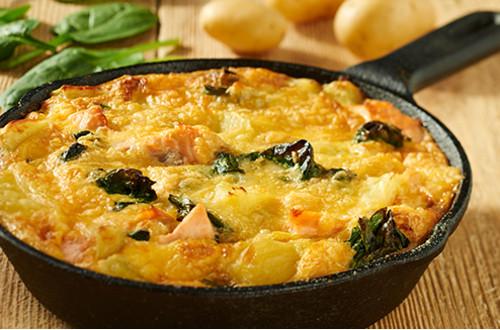 Frittata met zalm, spinazie en kaas