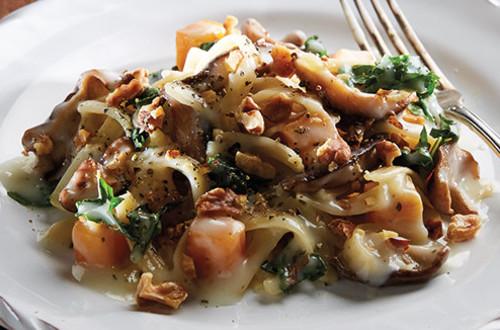 Pâtes au parmesan et à la courge musquée avec champignons shiitake