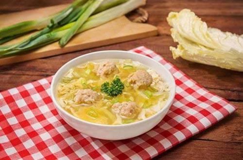 Sup Bola Ayam Sayuran