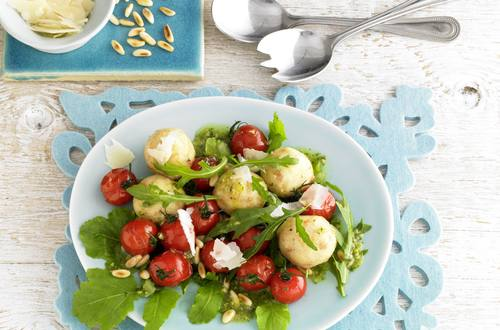 Rucola-Salat_mit_gebratenen_Cocktailtomaten