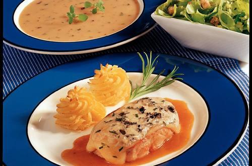 Knorr - Überbackenes Kalbssteak mit Gouda und Blauschimmelkäse