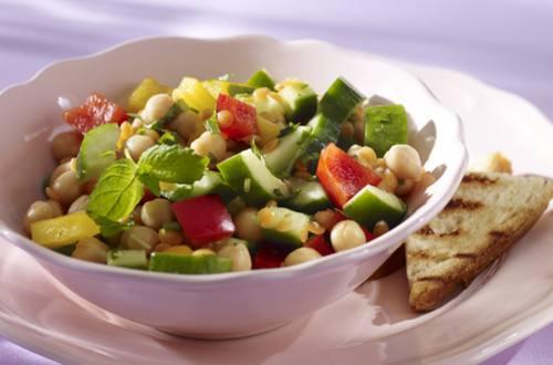 Ensalada de Lentejas con Brotes de Soja y Tofu