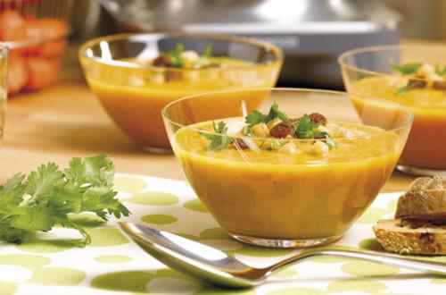 Oosterse soep van wortelen en kikkererwten