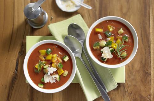 Tomatensuppe Toscana mit mediterranem Gemüse