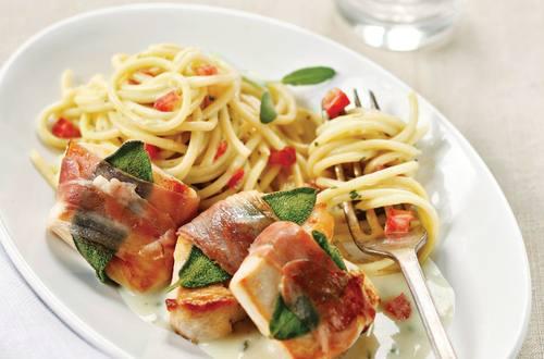 Knorr - Saltimbocca von der Hühnerbrust mit Tomaten-Spaghetti
