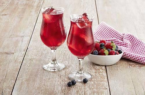 Lipton - Orange Spritz mit Erdbeer Himbeer Rhabarber Tee