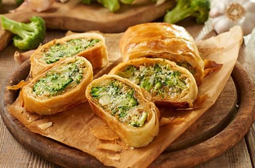 Broccoli en kaas strudel