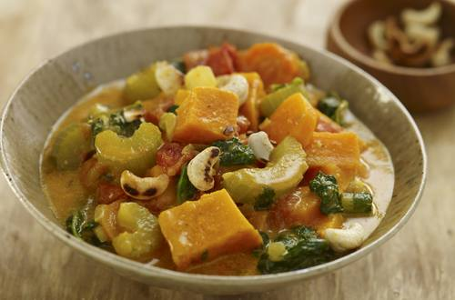 Knorr - Gemüseeintopf mit Süßkartoffeln und Erdnüssen
