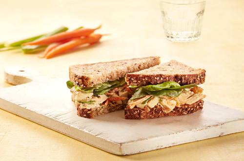 Sandwichs à la salade de poulet et de pomme