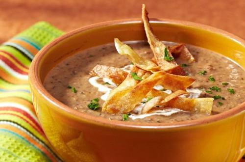 Sopa de Chorizo y Frijoles Negros