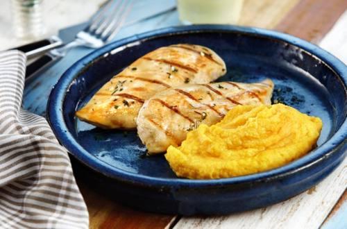 Pollo grillado al tomillo y limón