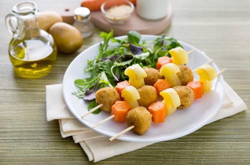 Spiedini di pollo e verdure