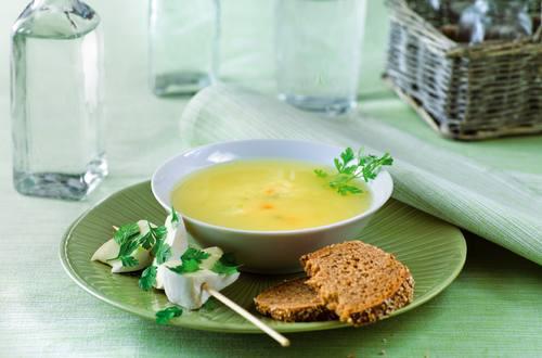 Soupe au cidre et brochettes de fromage