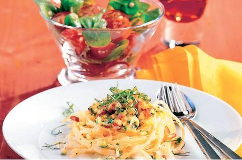Spaghettinester_mit_Paprika-Zucchinigemuese