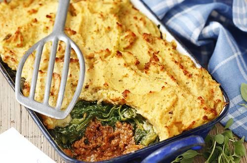 Knorr - Bolognese-Auflauf mit Kartoffel-Käsehaube