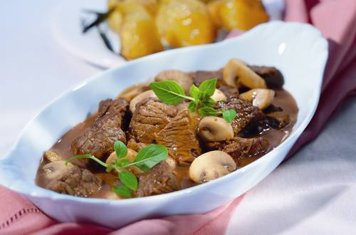 Knorr - Rinderragout mit Pilzen