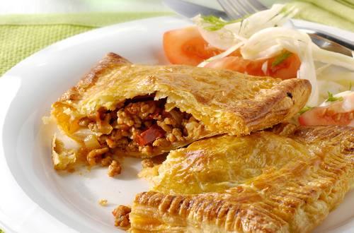 Empanadas de haché, tomates séchées et fenouil