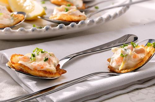 Petites crêpes à la crème de saumon fumé et au citron