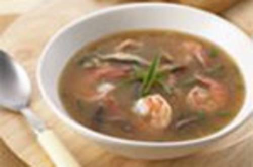 Pikante zoetzure soep met garnalen