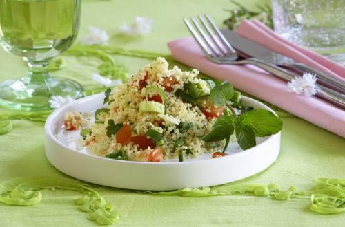 Knorr - Couscous-Salat mit Tomaten und Frühlingszwiebeln