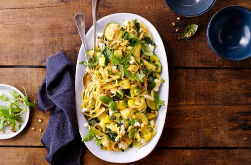 Tagliatelle mit Zucchini und Feta