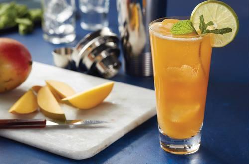 Lipton® Black Iced Tea Sparkling Mango Mocktail