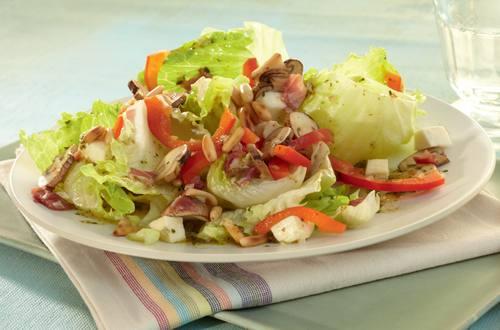 Knorr - Eisbergsalat mit Pilzen und Paprika